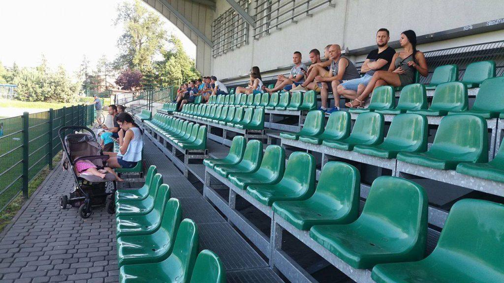 kibice na trybunie krytej Rymera w meczu sparingowym z KS 23 Górnik Czerwionka