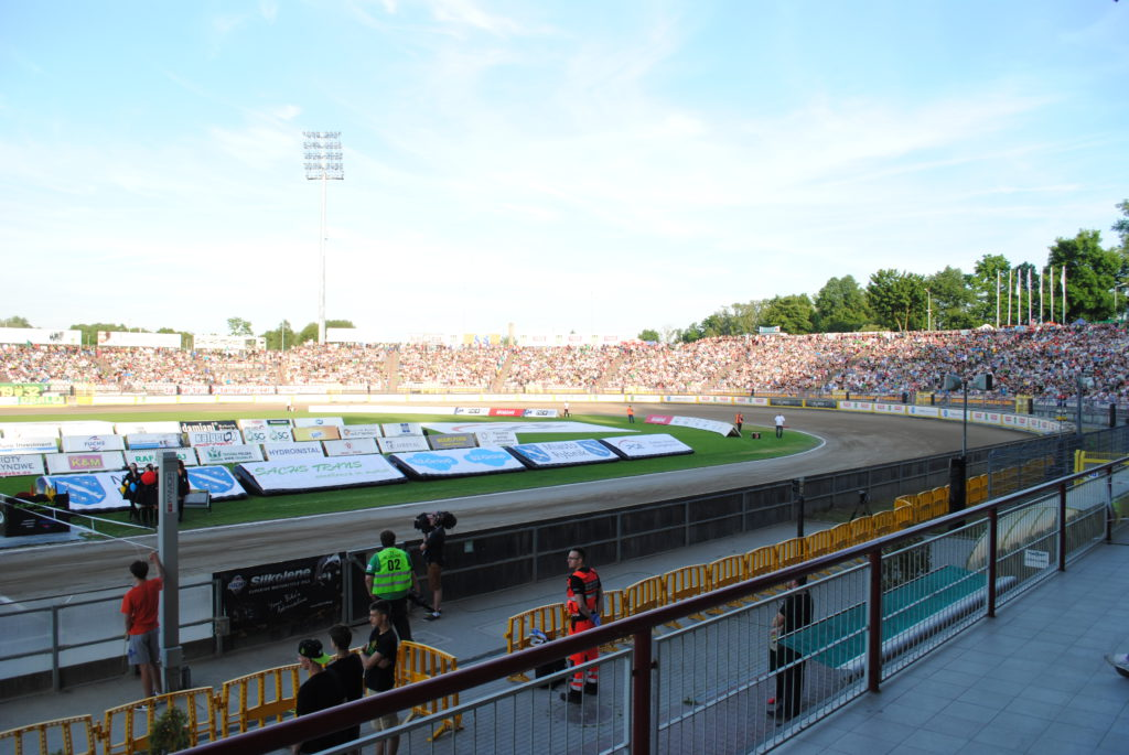 Stadion ROWu w trakcie zawodów