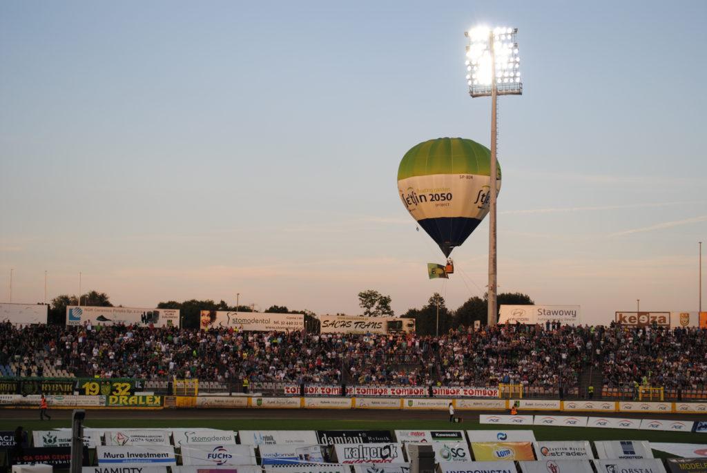 balon nad stadionem ROWu Rybnik