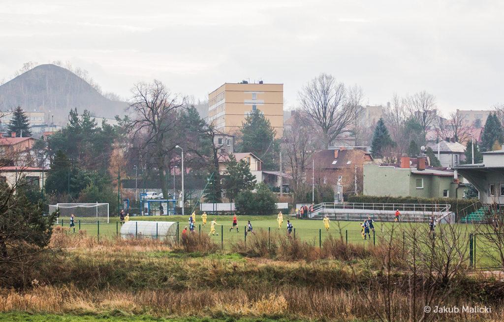 boisko Rymera i Niedobczyce w tle