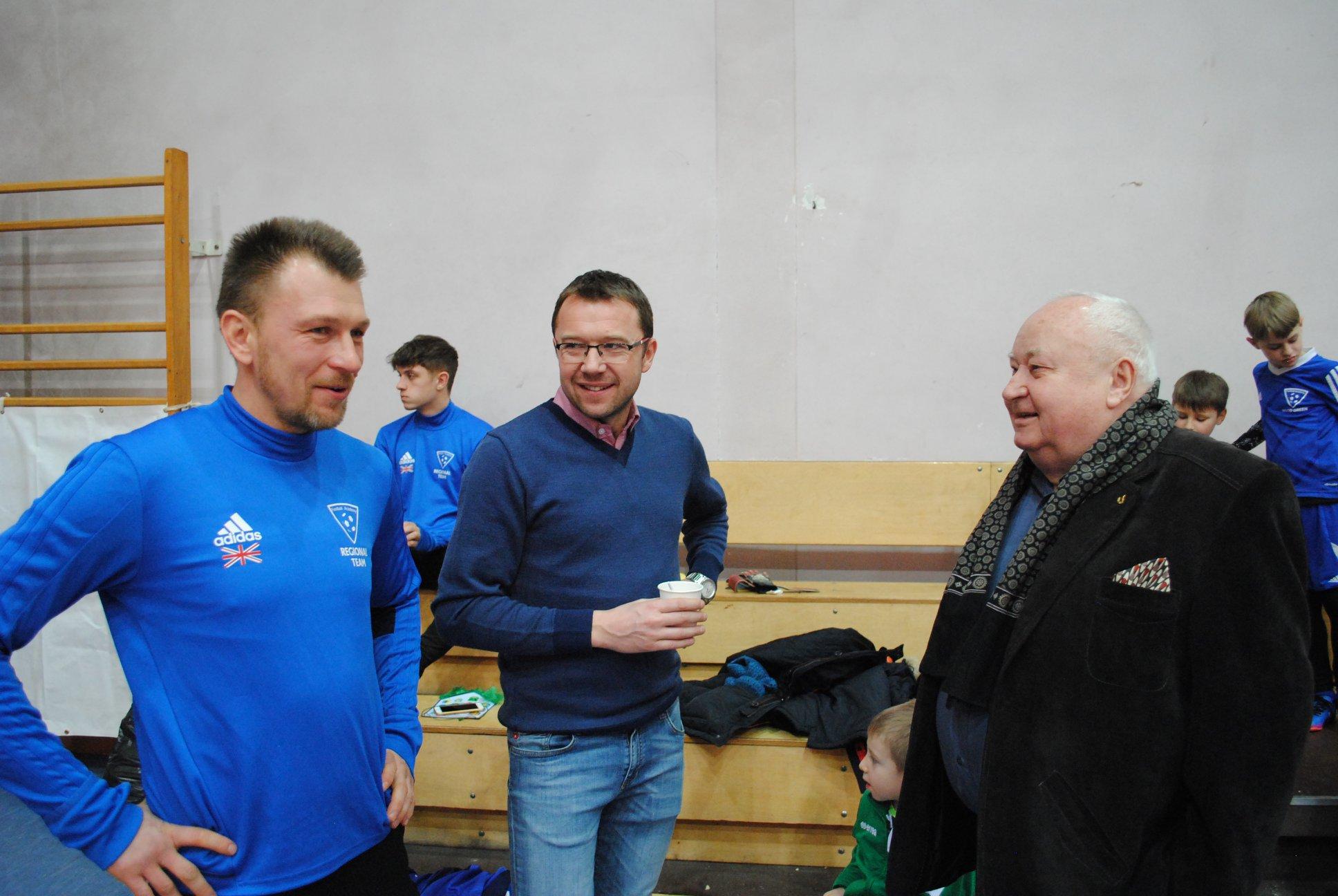 Arkadiusz Tracz - trener FA London, Andrzej Paulus - PZPN Rybnik i Franciszek Wrana - członek PZPN Katowice