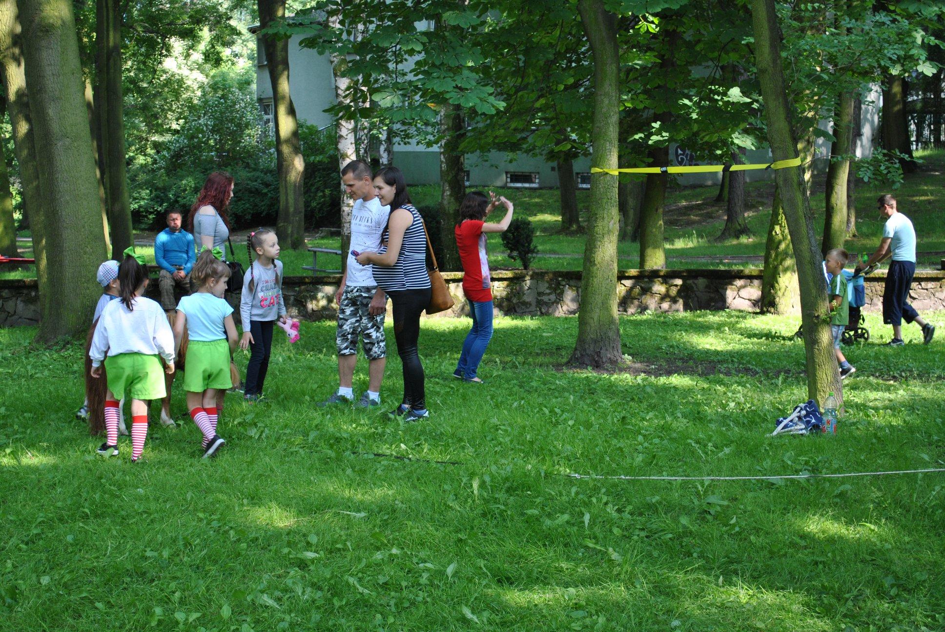 stanowisko KS Rymer - trenerzy i dzieci